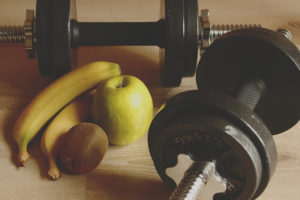 What to eat before and after a workout to build muscles