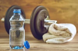 How much water should you drink to gain muscle mass?